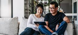 Heroic-Fundraising-Blog-Featured-Image-Couple-Giving-From-Home