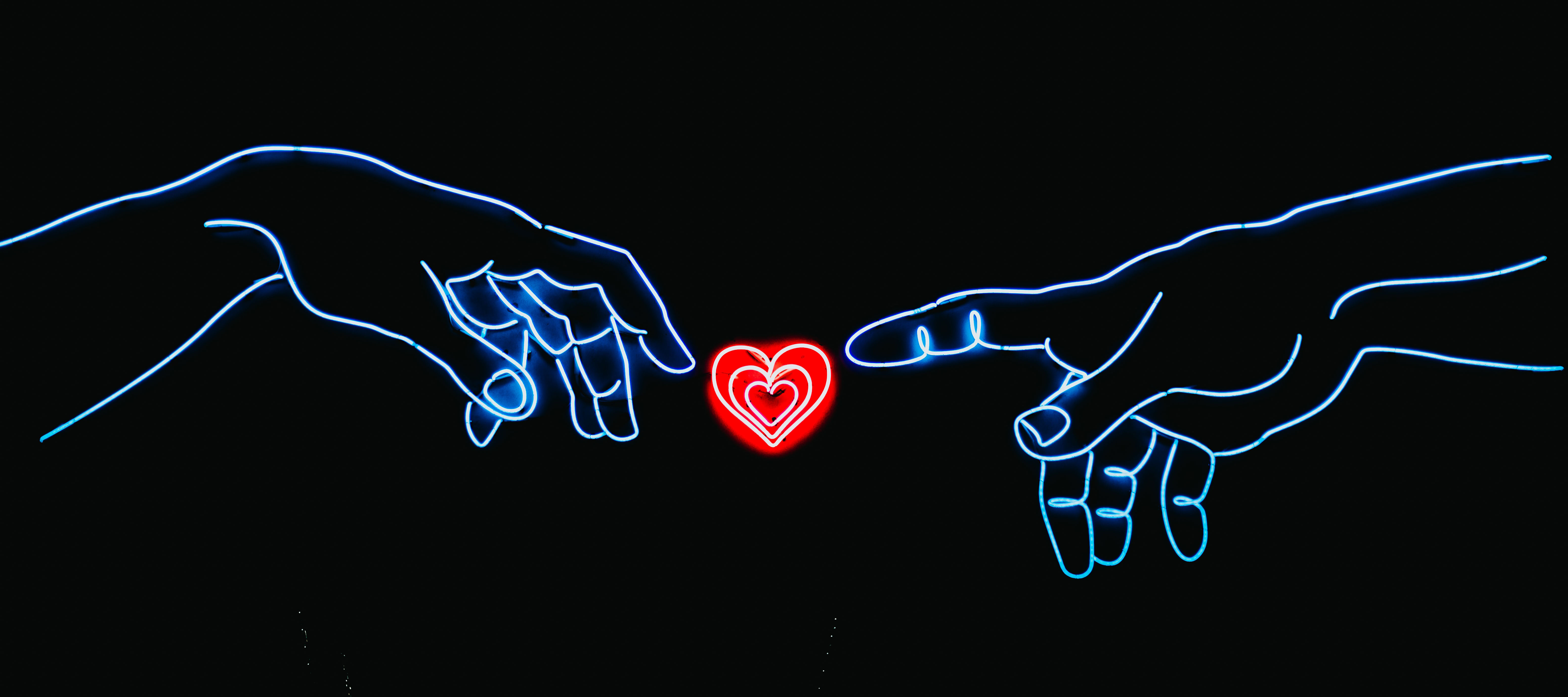 heroic-fundraising-blog-featured-image-hearts-hands-relationship